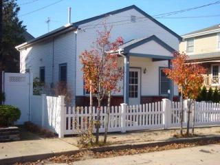 69 Garden City Ave, Point Lookout, NY 11569