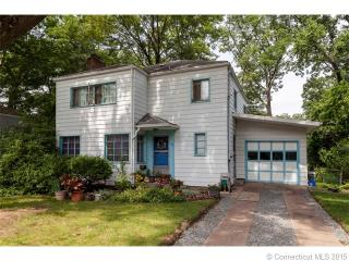 80 Lakeview Ter, New Haven, CT 06515