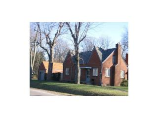 8201 E 10th St, Indianapolis, IN 46219