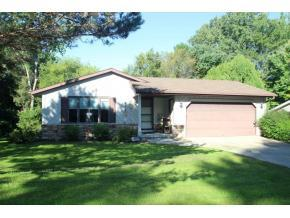 1330 Oasis Dr, Green Bay, WI 54313