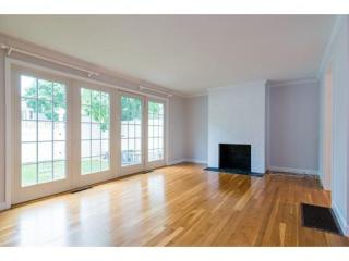 11 Oak St #25, Wellesley, MA 02482