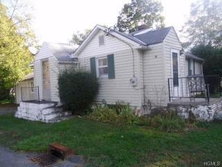 33 Seely St, Walden, NY 12586