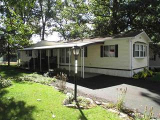 2608 Oakwood Heights Dr, Stewartstown, PA 17363