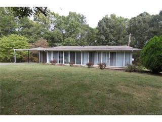228 Hickory Hill Ln, Stanley, NC 28164