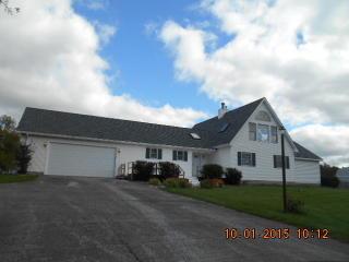 2814 Martin Dr, Spring Grove, IL 60081