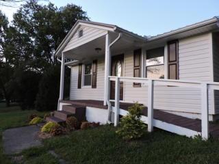 2121 David Miller Rd, Johnson City, TN 37604