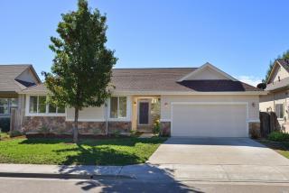 411 Healdsburg Ave, Cloverdale, CA 95425