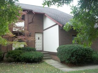 7514 Peachmont Ave NW, North Canton, OH 44720