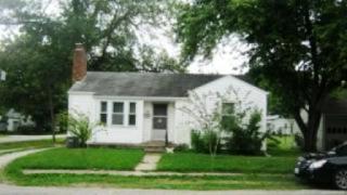 240 Fair Ave, Flora, IL 62839