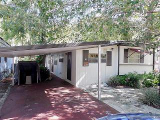 1699 Ormands Jungle Den Rd, Astor, FL 32102