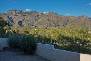 5240 N Camino De La Cumbre, Tucson, AZ 85750