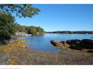 30 S Dyers Cove Rd, Harpswell, ME 04079