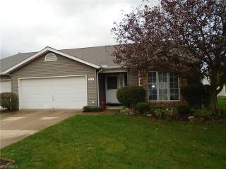 10534 Royal Oak Dr, Strongsville, OH 44136