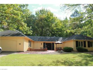 17567 Ridge Creek Rd, Strongsville, OH 44136