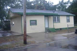 2070 Danese St, Jacksonville, FL 32206