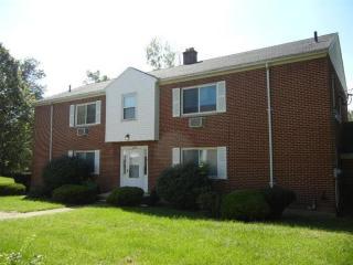 2338 Davue Cir, Dayton, OH 45406