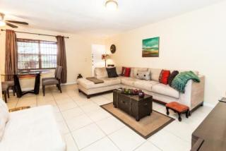 2905 Pierce St #11, Hollywood, FL 33020