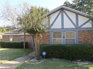 1410 Kingsbridge Dr, Garland, TX 75044