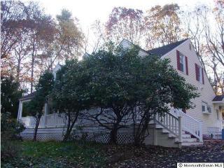 180 Beacon Hill Rd, Morganville, NJ 07751