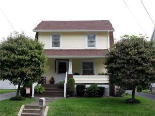 1037 Main St, Wampum, PA 16157