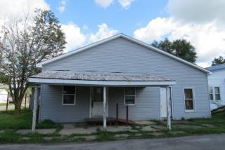 749 N 14th St, Elwood, IN 46036
