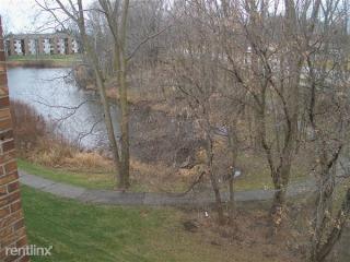 1460 E Pond Dr #35, Okemos, MI 48864