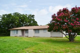 300 W Frederick St, Riesel, TX 76682