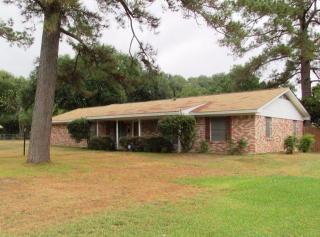 710 Willow Bend Dr, Lufkin, TX 75901