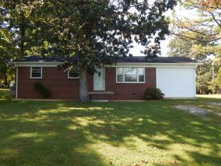 209 Poplar Ave, Huntland, TN 37345