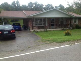 581 Proctor Rd, Beattyville, KY 41311