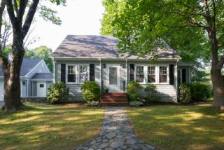 122 Middle Rd, Falmouth, ME 04105
