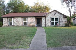 1154 Meadow Creek Dr, Lancaster, TX 75146