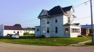 290 Main St NE, New Albin, IA 52160