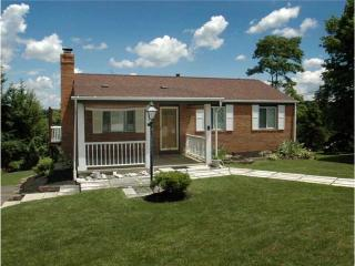 15 Valley View Ct, Delmont, PA 15626