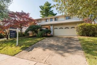 9808 Marquette Dr, Bethesda, MD 20817