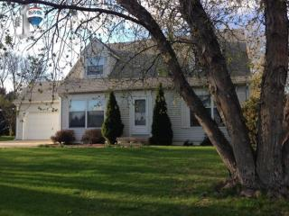 106 W Amie Ave, Hinckley, IL 60520