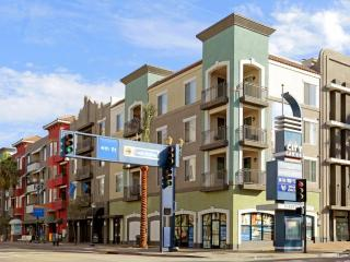 404 Pine Ave, Long Beach, CA 90802