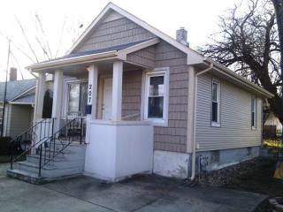 207 Hyde Park St, Joliet, IL 60436