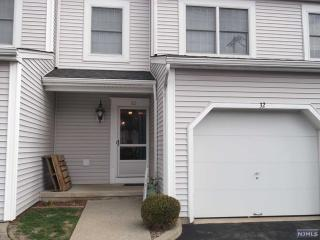 32 Iron Forge Vlg East, Pompton Lakes NJ
