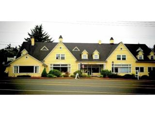 Address Not Disclosed, Lincoln City, OR 97367