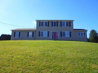 4940 Spruce St, Schnecksville, PA 18078