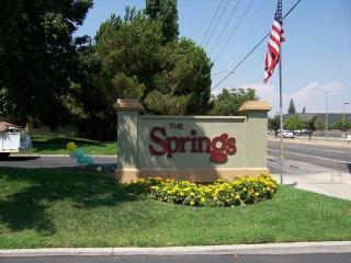 7511 N 1st St, Fresno, CA 93720