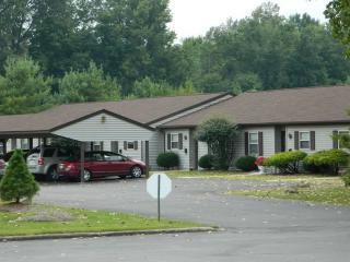 611 Ridge Rd, Newton Falls, OH 44444