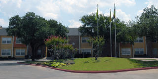 4220 Esters Rd, Irving, TX 75038