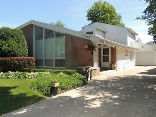 3203 Hill Lane, Wilmette IL