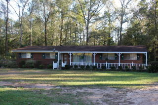 218 Country Cir, Ellisville, MS 39437
