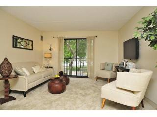 24 Oyster Bay Rd, Boston, MA 02125