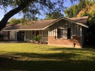 6430 Edgemoor Dr, Houston, TX 77074