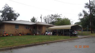 1319 Hillcrest, Maysville, OK 73057