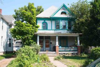 404 W 16th St, Davenport, IA 52803